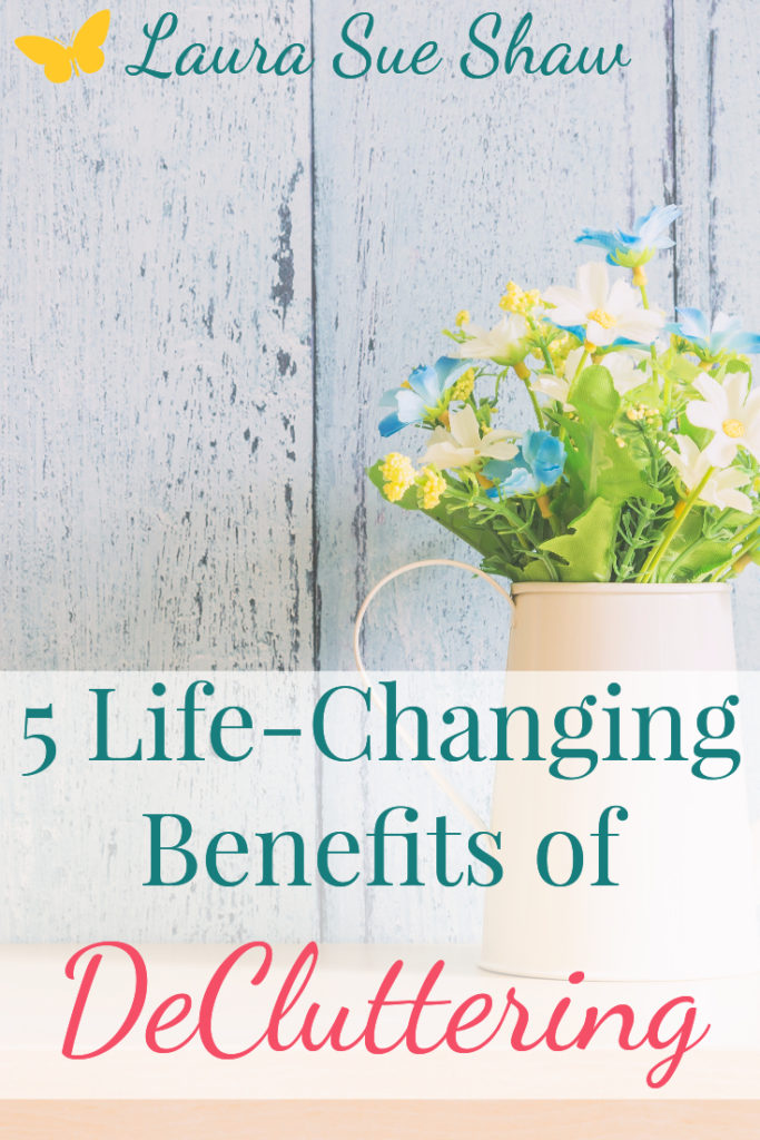 I never knew what a difference simplifying could make. Here are the 5 biggest life-changing benefits of decluttering that I have experienced.