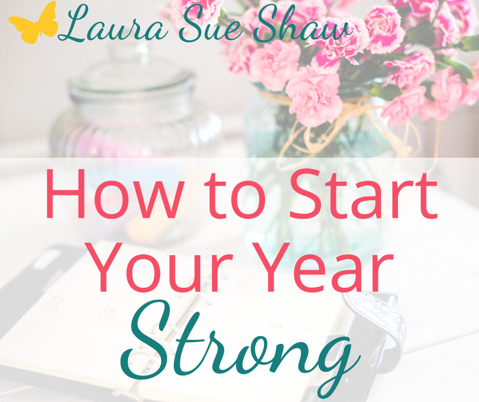 Here are the 3 ways I'm preparing to start my year with intention and accomplish big goals! Learn how you can also start your year strong.